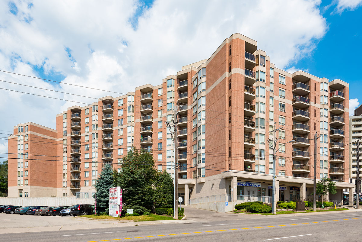 2088-Lawrence-Ave-W-Riverhill-Condos