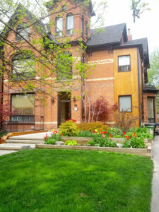 1+1 Apartment in Beautiful Century Building (Parkdale)
